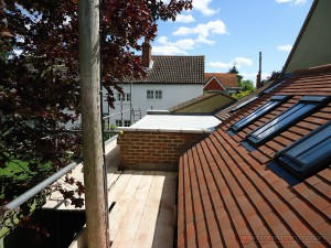 Hiqh quality roof tiling and flat roof work view 2