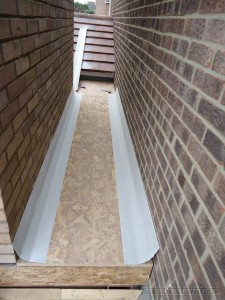 Flat roof with GRP coverings